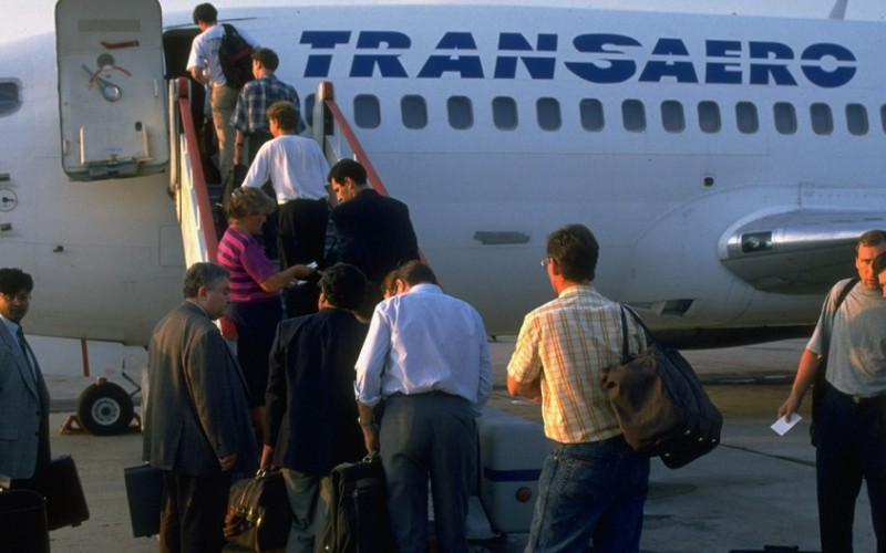 Russia's 2nd largest airline Transaero grounded